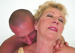 Old blonde woman acquires her hairy pussy fingered and also fucked