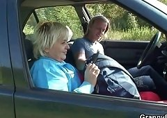 Granny getting screwed in the car