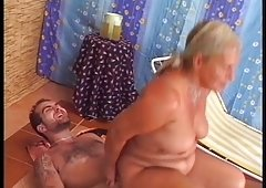 Gorgeous granny rimms and also gets down and dirty a guy!