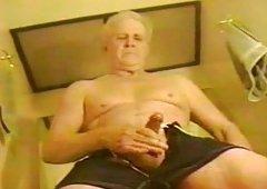 Grandpa jerks in baths