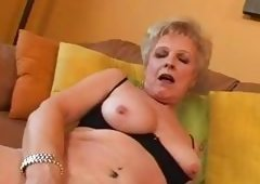 Perfect Body On This Sexual Mature Blondie