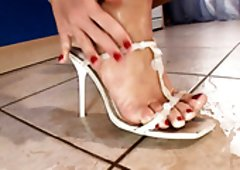 Sensual brunette hair housewife allows BF to lick her feet